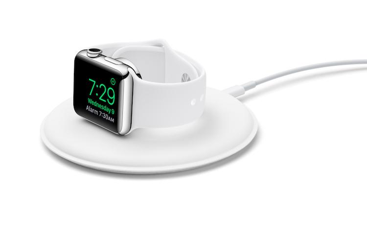Apple-Watch-Magnetic-Charging-Dock-34RCharging-SCREEN-copy