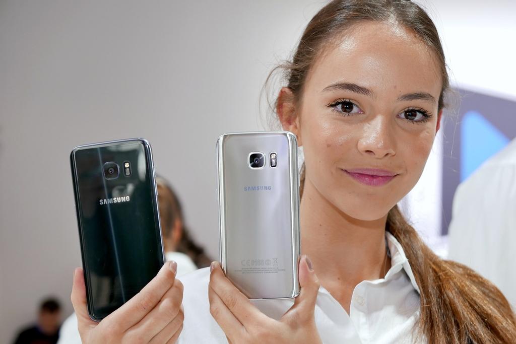 MWC-2016-Samsung-03