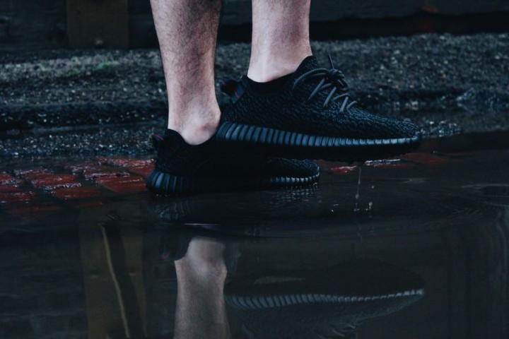 5650333_adidas-yeezy-boost-350-pirate-black_tbaaf43e3
