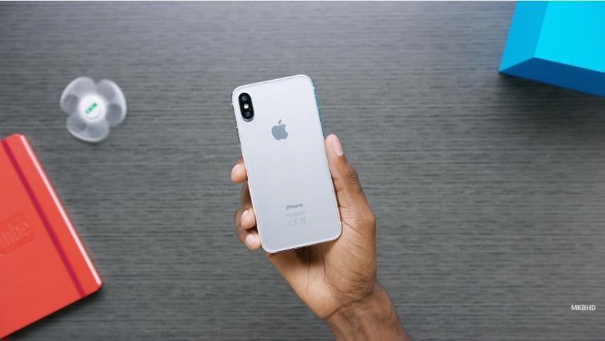 new-iPhone8-model-2