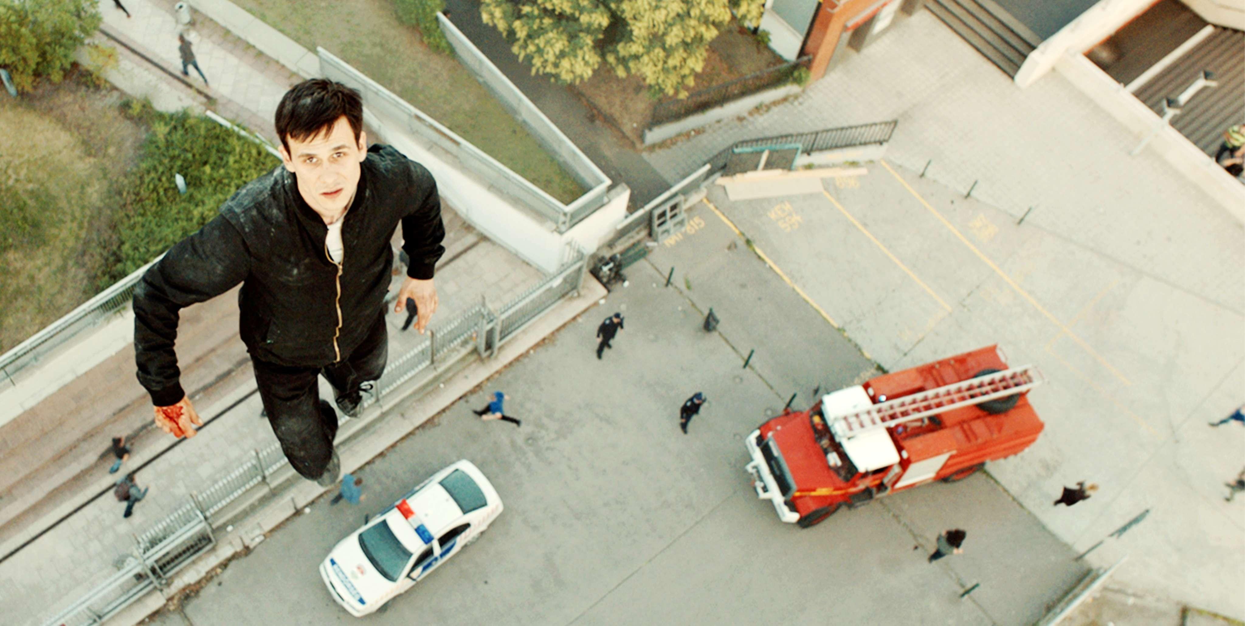 《天使追殺令》充滿細膩驚人的特效,讓觀眾如置身高空,展現俯瞰世界的驚人視角