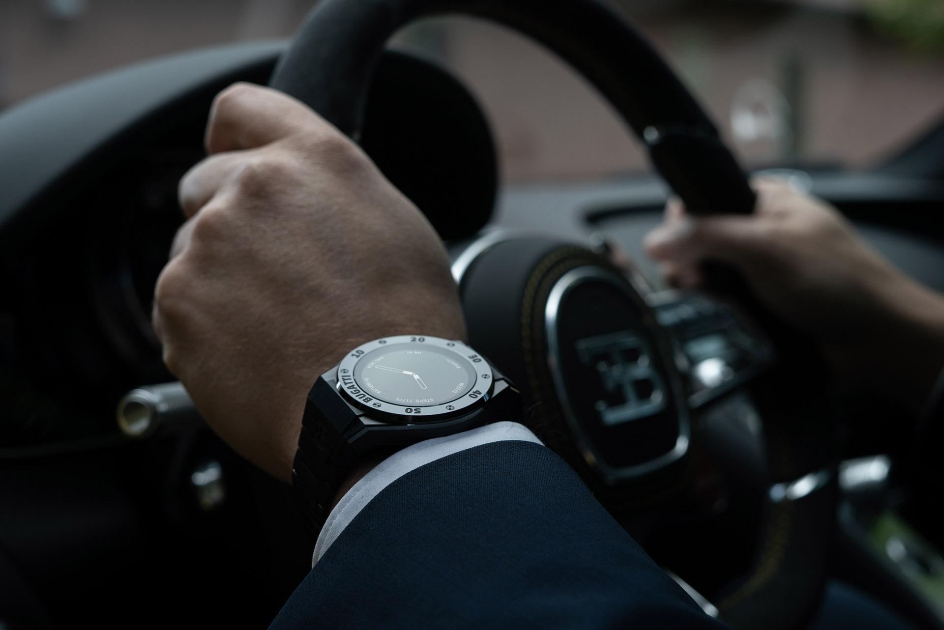 BUGATTI Smartwatch by VIITA